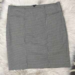 LOFT houndstooth neutral career skirt size 6